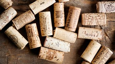 Otwieranie wina to czynność przez wielu koneserów okryta wielką czcią.