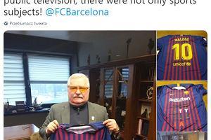63c6a077f Polski laureat Nobla nowym fanem FC Barcelony. Lech Wałęsa otrzymał koszulkę  z numerem Messiego [