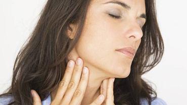 Powiększeniu węzłów chłonnych towarzyszą objawy choroby nowotworowej, m.in. ból, osłabienie czy chudnięcie