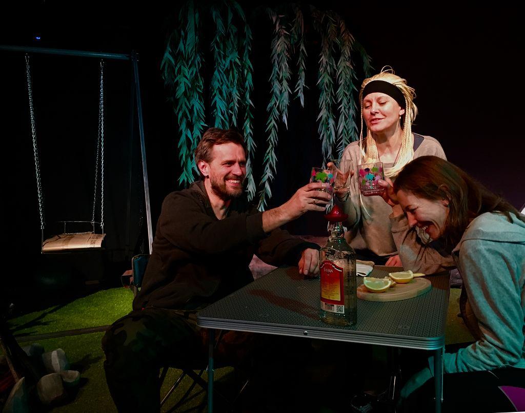 'Biwakowe lowe' w Teatrze Żelaznym w reż. Piotra Wiśniewskiego / fot. materiał teatru
