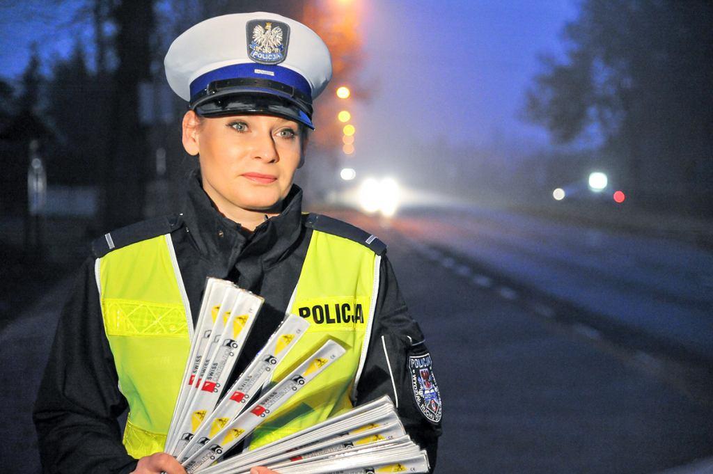 Policja rozdaje odblaski