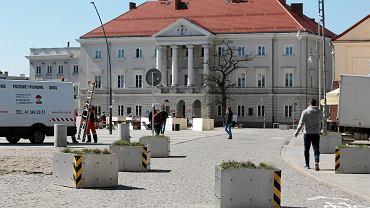 Całkowicie zabetonowany rynek w Kielcach