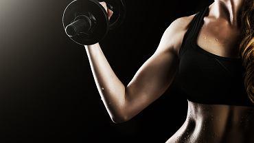 Trening ramion można wykonać w domu