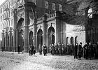 Łódzkie dzieci jako pierwsze w Polsce poszły do szkoły. Prezydent Rżewski pisał, że Bóg jest wśród mas pracujących