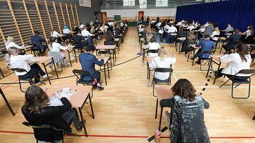 Próbny egzamin ósmoklasisty 2021 - data. W tym roku uczniowie muszą przyswoić mniej materiału