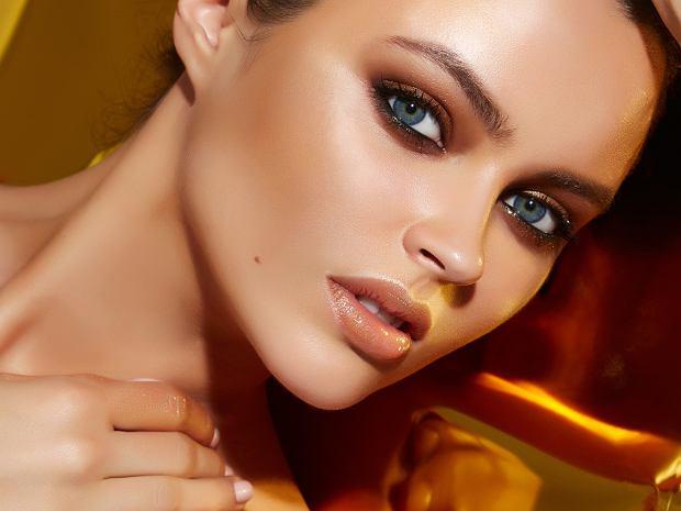 Cera trądzikowa - makijaż