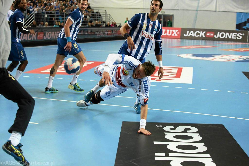Kamil Syprzak w meczu z FC Porto Vitalis
