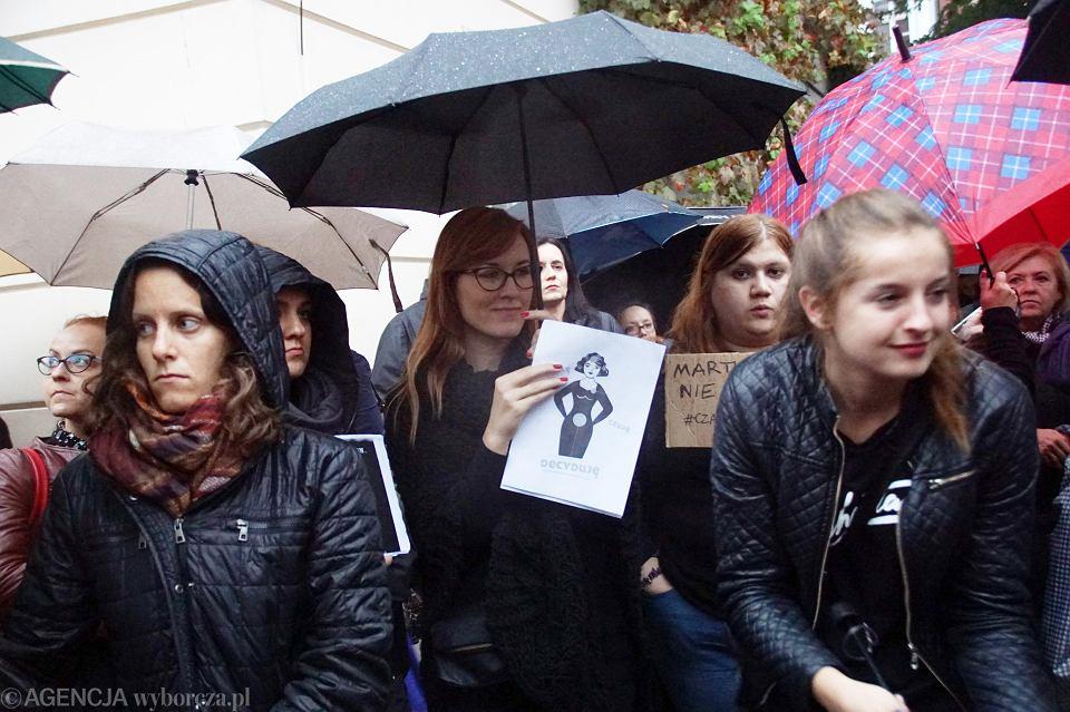 Zdjęcie numer 69 w galerii - Czarny protest w Zielonej Górze: