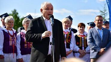 Jarosław Kaczyński na jednym z pikników organizowanych w terenie przez PiS