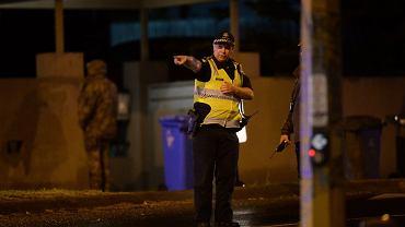 W Melbourne w dzielnicy Bayside doszło do strzelaniny, w której zginął jeden mężczyzna, a trzech policjantów zostało rannych.