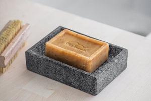 Mydelniczka: ładny i praktyczny element wyposażenia łazienki