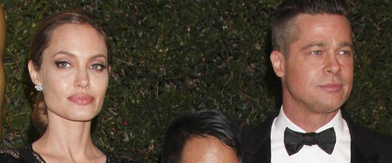 """Angelina Jolie wcale nie chciała zostać żoną Brada Pitta. """"Czuła, że wywiera na niej presję"""""""