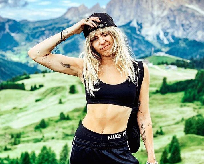 Miley Cyrus dawno nie była w takiej formie. Gwiazda zaskoczyła umięśnionym brzuchem
