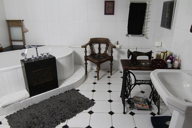 Zdjęcie numer 7 w galerii - Odeta Moro pokazała dom. Jest pełen oryginalnych i wiekowych dodatków.  Nigdy nie zgadniecie, co postawiła w łazience
