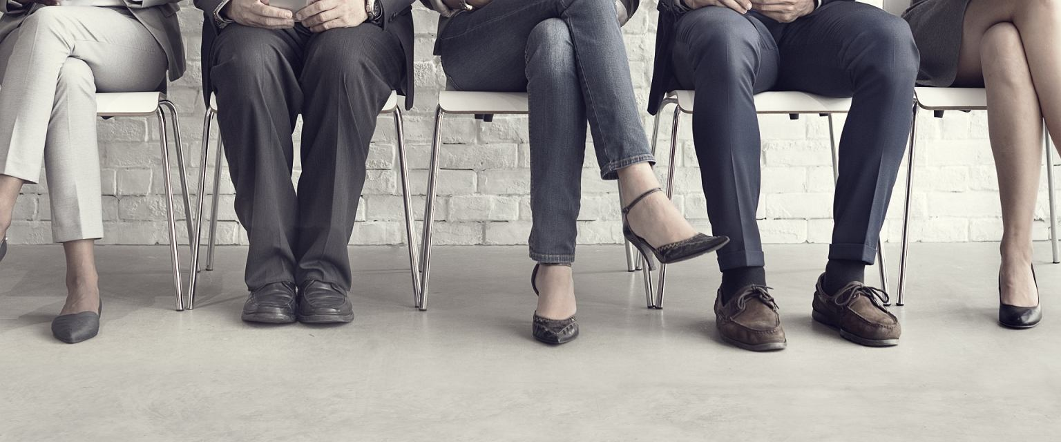 Po sześcioletniej przerwie próbuje wrócić na rynek pracy. Bez skutku (Shutterstock.com)
