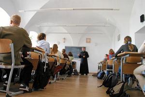 Coraz mniej uczniów na lekcjach religii. To m.in. przez podwójny rocznik