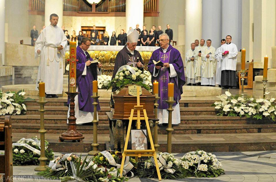 Pożegnanie Poety Podczas Mszy Czytano Jego Wiersze