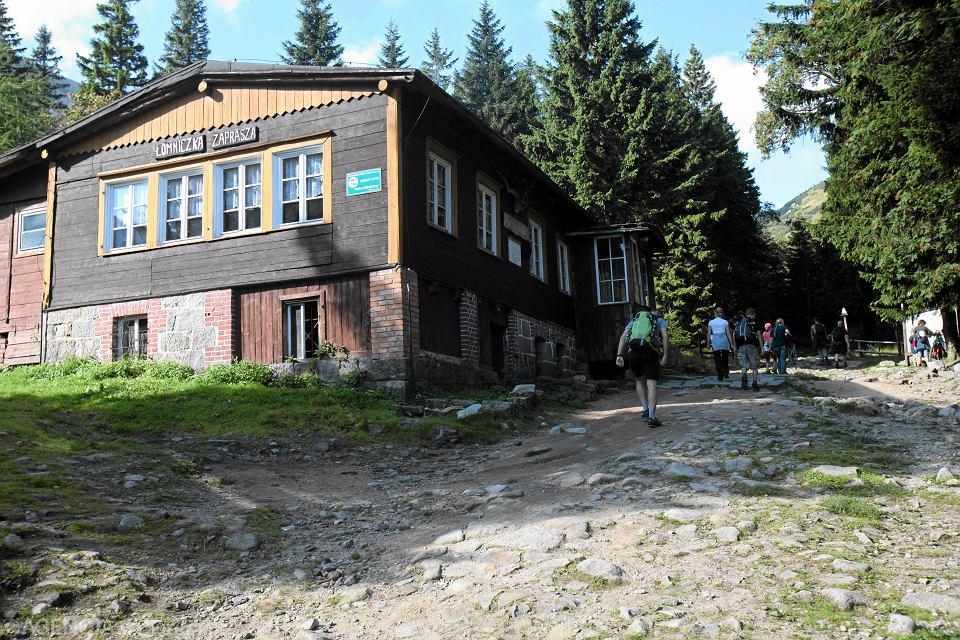 Schronisko Łomniczka przy szlaku na Śnieżkę.