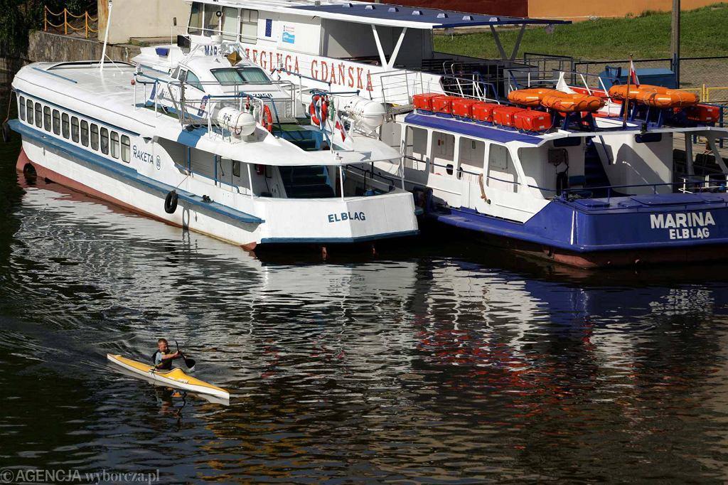 Statki Żeglugi Gdańskiej w Elblągu w 2006 roku. Rosjanie blokowali możliwość pływania po Zalewie Wiślanym