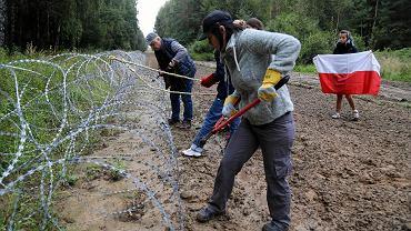 Akcja obywatelskiego sprzeciwu w Szymakach na polsko-białoruskiej granicy
