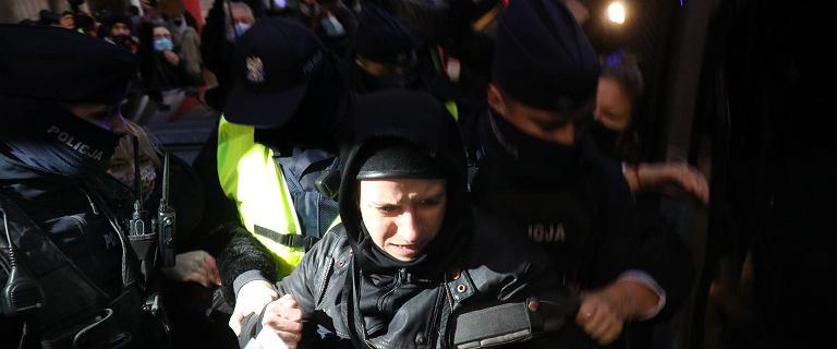 Fotoreporterka Agata Grzybowska zatrzymana przez policję przed MEN