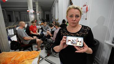 Iwona Hartwich, mama 23-letniego Kuby w Sejmie, maj 2018