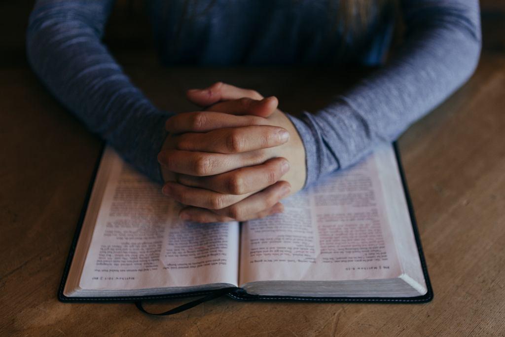 modlitwa (zdj. ilustracyjne)
