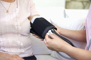 Niskie ciśnienie krwi: czy jest groźne i jak sobie z nim radzić?