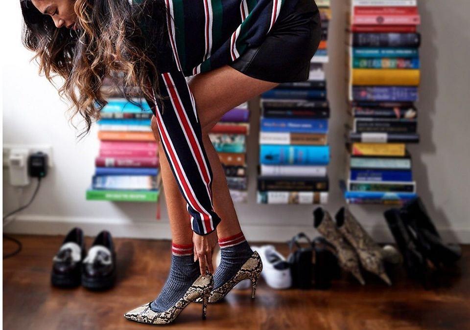 Buty z wężowym wzorem