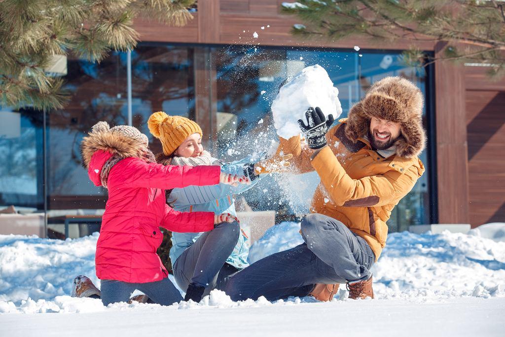 Wakacje zimowe to czas odpoczynku i frajdy dla całej rodziny.