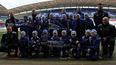 Dzieciaki z Football Academy Szczecin na stadionie w Boltonie