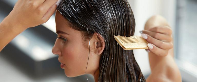 Detoks włosów i skóry głowy w domu! Jak zadbać o włosy, by były zdrowe i lśniące?