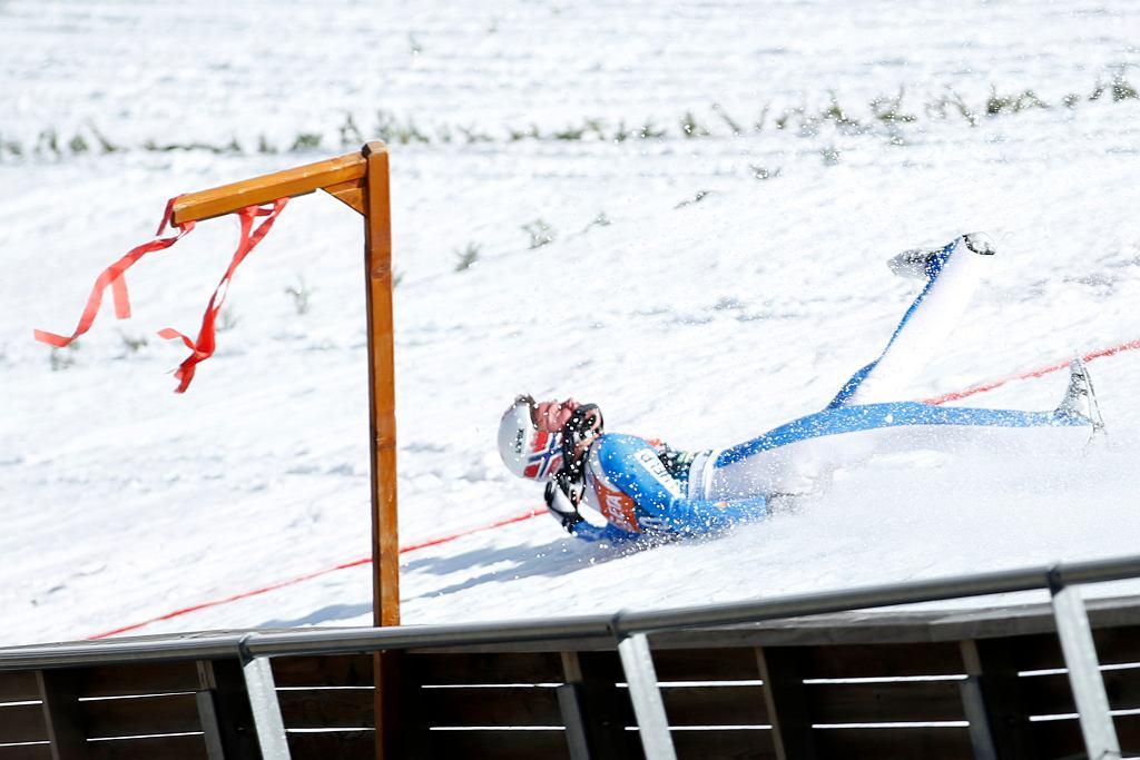 Skoki narciarskie. Przerażający upadek w Planicy. Były mistrz świata zabrany do szpitala