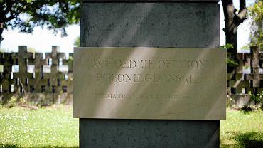 Tablica na Cmentarzu Ofiar Terroru Hitlerowskiego w Gdańsku