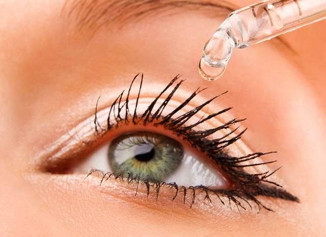 Zespół suchego oka jest spowodowany niedostatecznym wydzielaniem łez na tle np. zapalnym