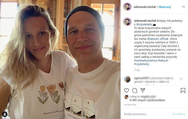 Kim jest żona Michała Żebrowskiego? Poznali się, gdy była nastolatką, ma 7 rodzeństwa i była w ciąży w tym samym czasie, co jej mama