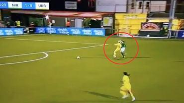 Natija Pancułaja (Ukraina) w kuriozalnej sytuacji. Mecz el. Euro 2022 kobiet (Irlandia Płn. 2:0 Ukraina); Źródło: Twitter