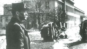 Maj 1945 r. Pierwszy prezydent Wrocławia dr Bolesław Drobner zapoznaje się ze stanem zniszczeń obiektów Rozgłośni PR