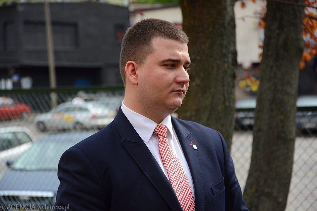 Bartłomiej Misiewicz, (jeszcze) rzecznik MON (fot. Franciszek Mazur/AG)