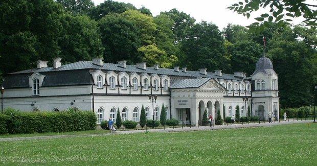 Nałęczów, Stare Łazienki/ Fot. CC BY-SA 3.0/ Pibwl/ Wikimedia Commons