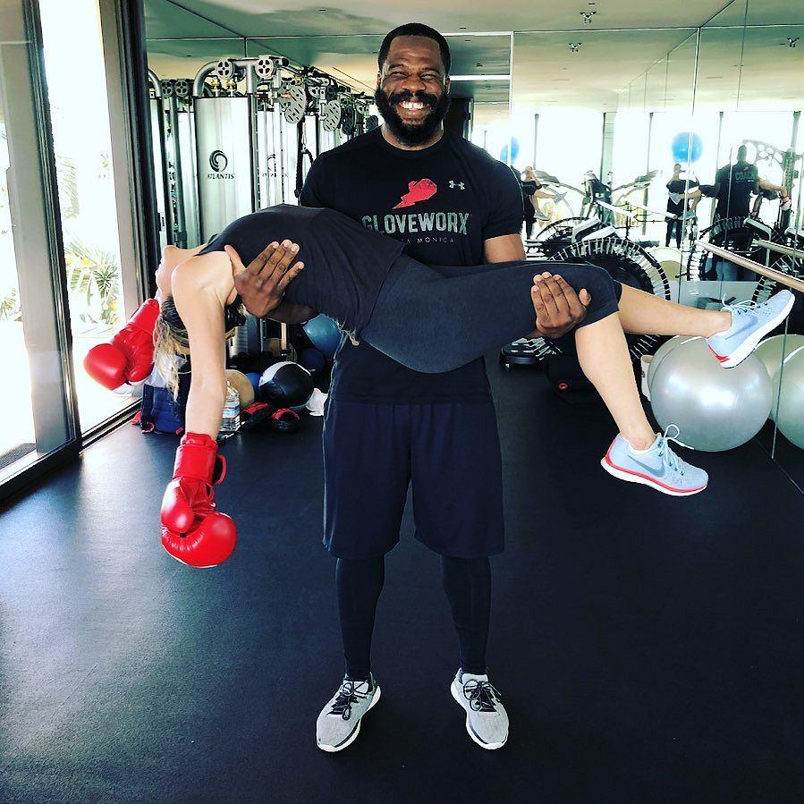 Jennifer Aniston ćwiczy z trenerem personalnym