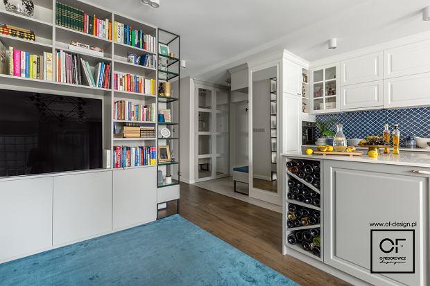 Salon z aneksem kuchennym w stylu eklektycznym