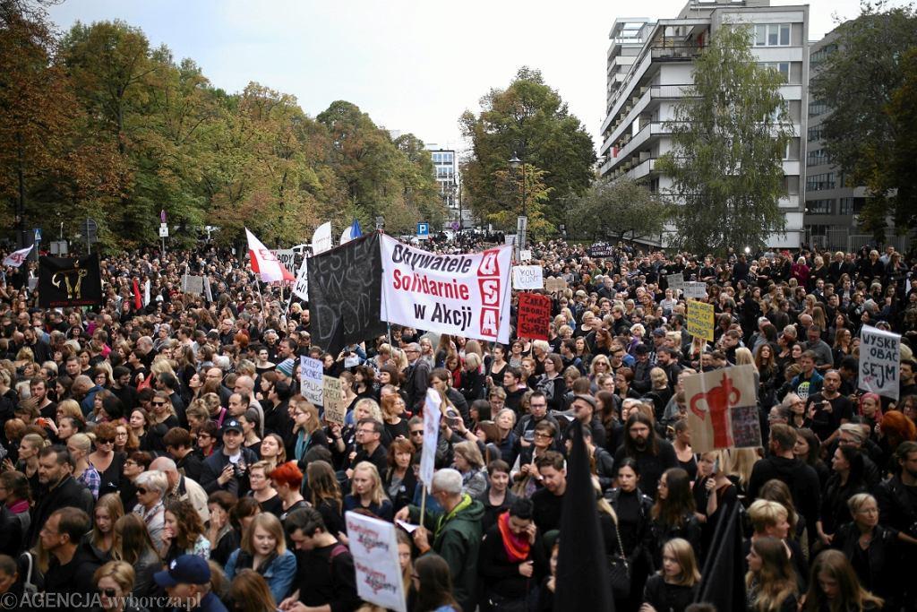 Manifestacja przeciw ustawie antyaborcyjnej (fot. Adam Stępień/AG)