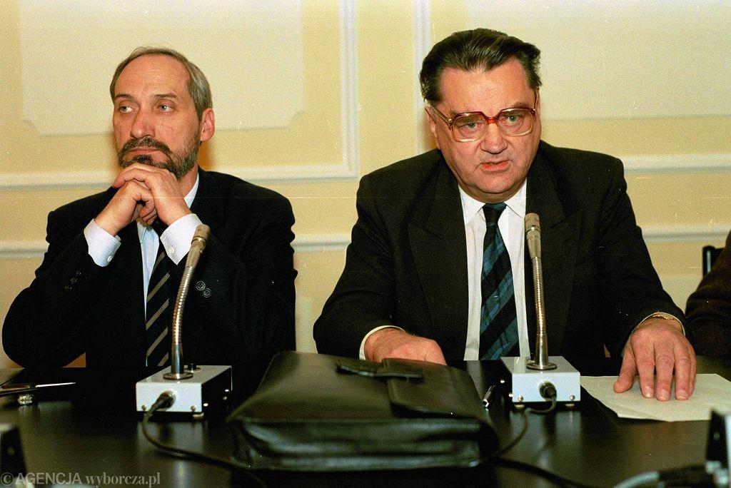 Jan Olszewski i Antoni Macierewicz, 1992