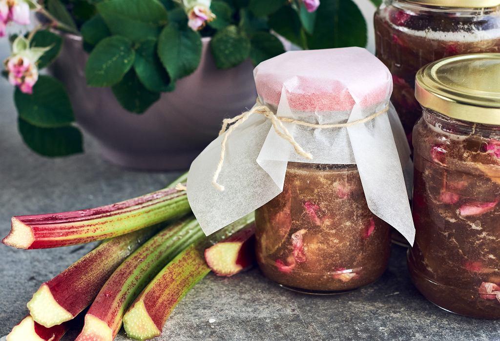 Konfitura z rabarbaru i róży
