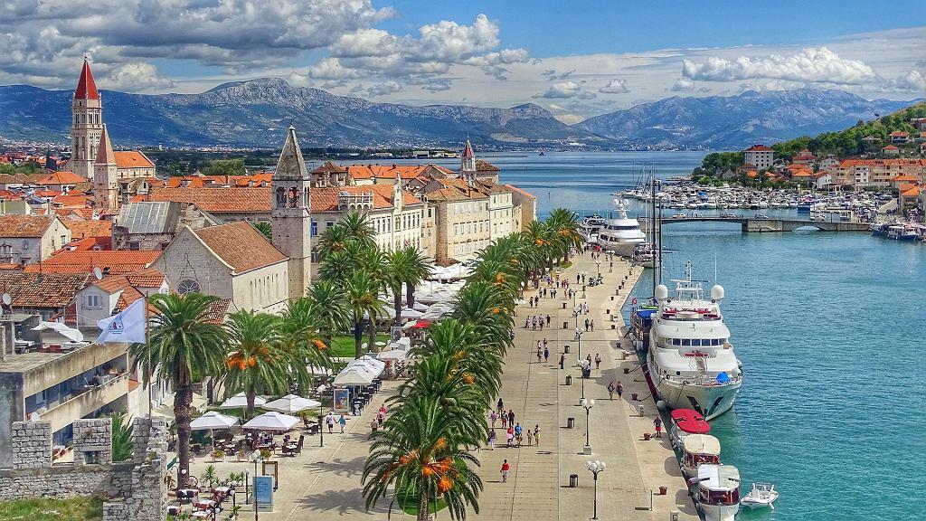 Nieruchomości za granicą. Ile wydamy na dom w Chorwacji lub Włoszech?