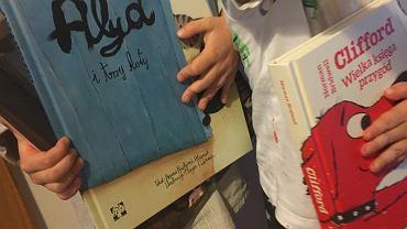 Książki dla dzieci to coś, co uwielbiają i młodsi, i starsi.