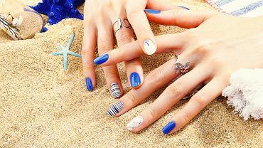 Wakacyjne paznokcie. Inspiracje na lato 2021