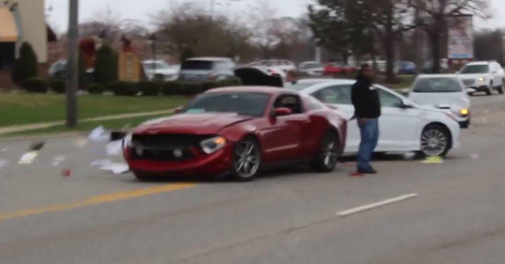 Wypadek Forda Mustanga