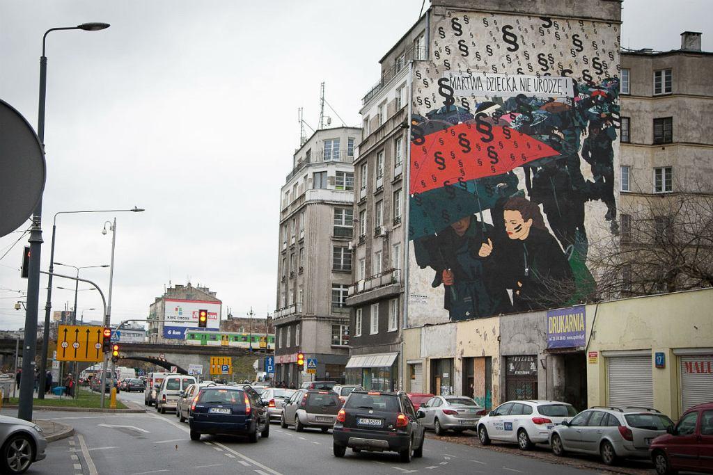 Mural Marty Frej przy ul. Targowej w Warszawie.